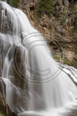 Scenic_Waterfall_07_042_Yellowstone_NP
